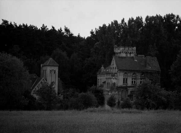 Schloss Sinntrotz - Tiny Castle in Gehren, Germany